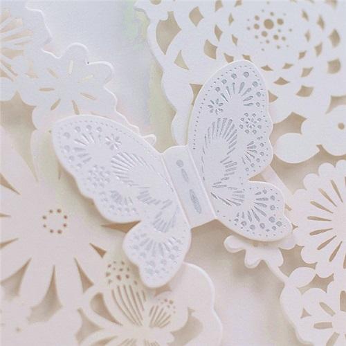 Invitaciones para comuniones modelo BUTTERFLY color blanco nacarado