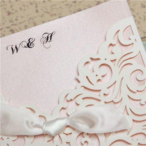 Invitaciones para comuniones modelo LINDA color rosa palido nacarado