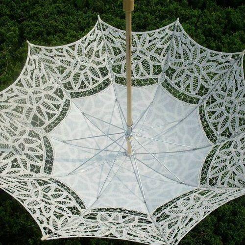 Sombrilla de encaje para novias color marfil